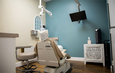 dental treatment room of scripps west dental